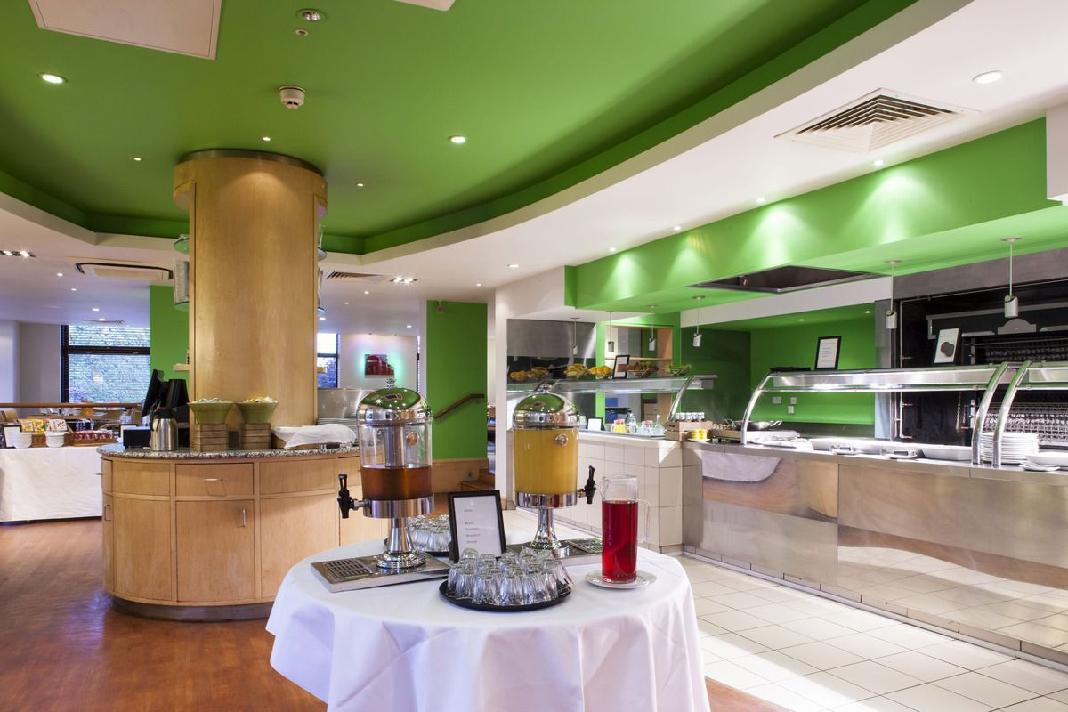 Dining in Holiday Inn Rochester - Chatham